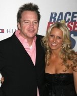 Tom Arnold and wife Shelby