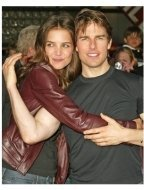 """Katie Holmes and Tom Cruise at the """"War of the Worlds"""" Los Angeles Premiere"""