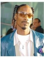 """Snoop Dogg at the """"Catwoman"""" premiere"""