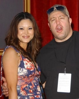 Steffiana De La Cruz and Kevin James