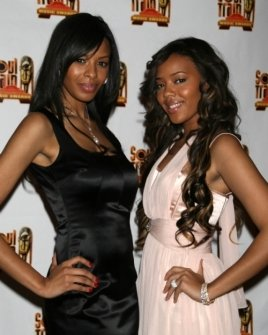 Vanessa Simmons and Angela Simmons