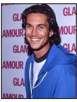 Oliver Hudson at the 2000 pre-Emmy bash