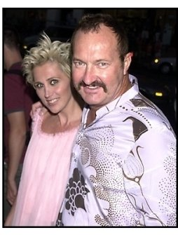 Randy Quaid and wife at The Others premiere