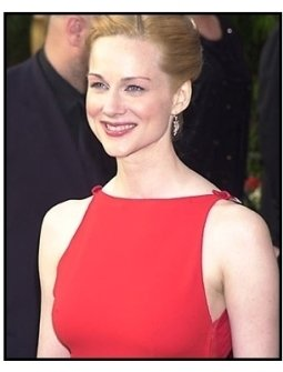 Laura Linney at the 2001 Academy Awards