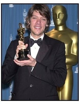 Stephen Gaghan backstage at the 2001 Academy Awards