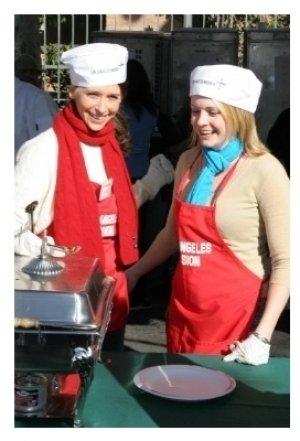 Jennifer Love Hewitt and Melissa Joan Hart