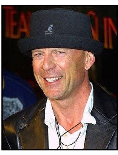 """ONE TIME USE ONLY """"Tears of the Sun"""" Premiere Photo: Bruce Willis"""